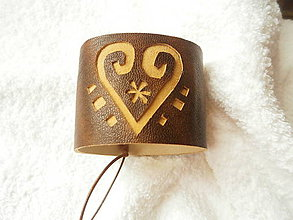 Náramky - Náramok kožený, so srdcom - 6252759_