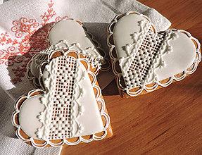 Darčeky pre svadobčanov - Medovníkové Srdiečka pre hostí - 6279713_