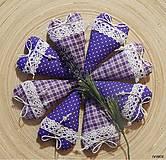 Dekorácie - Fialkové srdiečka s levanduľou - 6285698_
