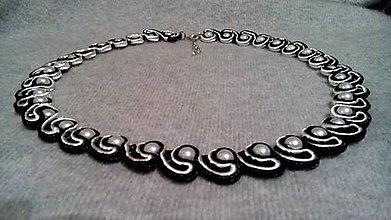 Náhrdelníky - Čiernobiely náhrdelník, soutache - 6290377_