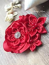 Brošňa červený kvet