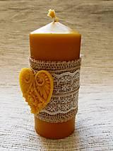 Svietidlá a sviečky - Romantická sviečka so srdiečkom - 6292882_