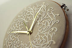 Hodiny - Royal Family, ručne vyšívané nástenné hodiny - 6304315_