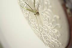 Hodiny - Royal Family, ručne vyšívané nástenné hodiny - 6304317_