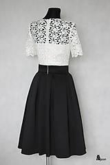 Šaty - Koktejlové šaty so skladanou sukňou z hrubej krajky s rukávom rôzne farby - 6301931_