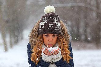 Čiapky, čelenky, klobúky - tmavohnedá s bielymi sobmi - 6304980_