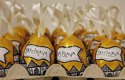 Dekorácie - Slepačie vajíčko /zlatá ulička - s názvom Mesta  - 6318745_