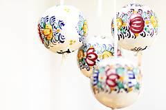 Farebné dekoračné gule