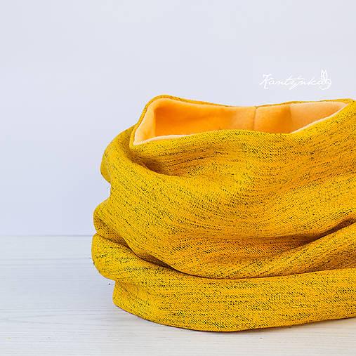Elegantní v šafránově žluté..
