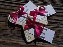 darčeky pre hostí so srdiečkami+kartička