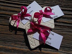 Darčeky pre svadobčanov - darčeky pre hostí so srdiečkami+kartička - 6331931_