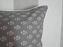 Úžitkový textil - vintage vankúš 40x40cm šedobiely vzor - 6334705_