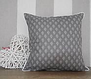 Úžitkový textil - vintage vankúš 40x40cm šedobiely vzor - 6338450_