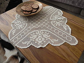 Úžitkový textil - Háčkovaný obrus - na jarnej prechádzke rozkvitnou alejou - 6339173_