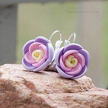 Náušnice - pastelky - zatvárateľné kvetinkové náušnice - 6340769_