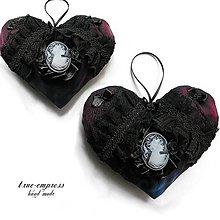 Dekorácie - Gothické srdce s medailónikom - 6347393_