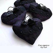 Dekorácie - Fialové srdce - prívesok - 6347407_