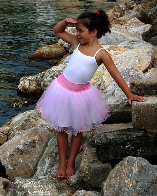 Dětská tylová sukně růžová   bílá   Debonaire - SAShE.sk - Handmade ... a47a251312
