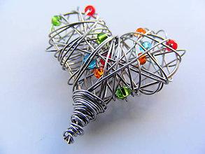 Náhrdelníky - Prívesok srdiečko s farebnými korálkami - 6351793_