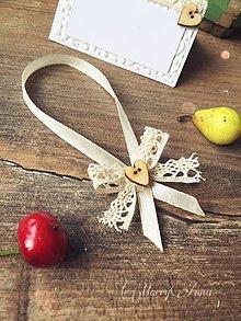 Darčeky pre svadobčanov - Stuhy na fľaše Natur gombík - 6362685_