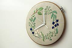 - Adele, ručne vyšívané nástenné hodiny - 6365028_