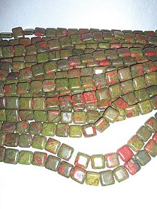 Minerály - unakit korálky štvorčeky - 6363718_
