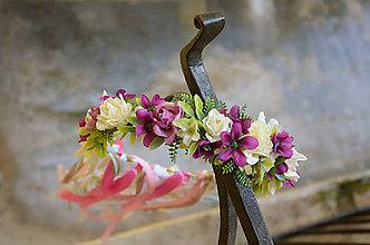 Ozdoby do vlasov - Venček ...fialky a ruže so závojom stúh... - 6385319_