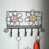 Nábytok - vešiak s kvetmi - 6388547_