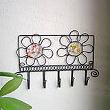 Nábytok - vešiak s kvetmi - 6388548_