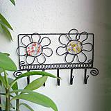 Nábytok - vešiak s kvetmi - 6388549_