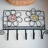 Nábytok - vešiak s kvetmi - 6388550_