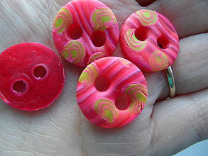 Galantéria - červené gombíky malé - 6399902_