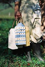 - Včelí kRAJ: Drevený domček pre hmyz - modrý alebo biely - 6421782_