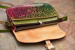 """- """"Bylinka No. 5"""" kožená kabelka so zipsom, vzorovaná - 6429077_"""