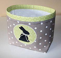 Košíky - zelený zajac na košíku - 6434195_