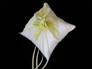 Darčeky pre svadobčanov - Polštářky na prstýnky - květina - kala - 6432390_