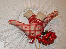 Dekorácie - Zapichovací vtáčik károvaný béžovo - červený - 6435612_