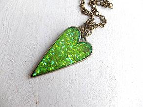 Sady šperkov - Živicový náhrdelník Srdce zelené - 6443173_