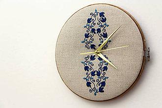 Hodiny - Júlia, ručne vyšívané nástenné hodiny - 6452104_