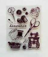 Pomôcky/Nástroje - Silikónové razítka, pečiatky - 14x18 cm - handmade, šijací stroj, nožnice, nite, gombík - 6456218_