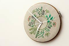 - Clara, ručne vyšívané nástenné hodiny - 6455414_