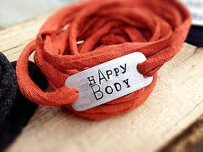 Náramky - NEW - HAPPY BODY - náramok / elastická priadza + 1mm alebo 2mm pliešok s vlastným textom :) / cena za 1ks - 6462624_