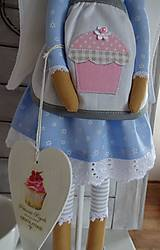 Bábiky - Modrá na drevenom podstavci - 6463320_