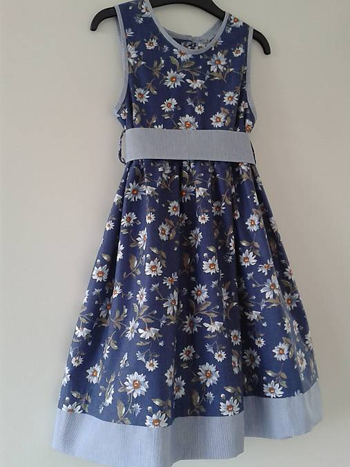 2386ec936875 Letné šaty kvietkované V 122 128   dievcatkovo - SAShE.sk - Handmade ...