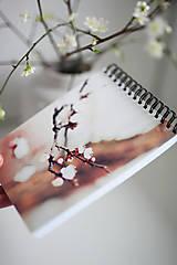 Papiernictvo - Linajkový zápisník - Príbeh - 6475434_