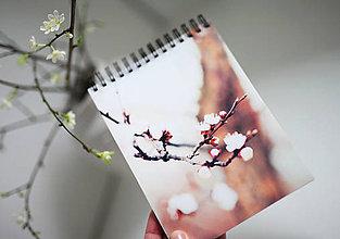 Papiernictvo - Linajkový zápisník - Príbeh - 6475433_