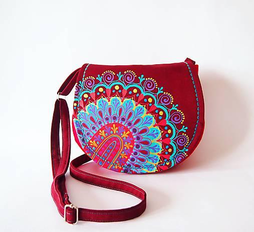 Malá červená kabelka s farebnou mandalou   DARTASKA - SAShE.sk ... ee9eb76848f