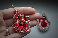 Náušnice - sutaškové náušnice červené so striebrom - 6473488_