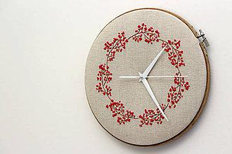 Hodiny - Lucy, ručne vyšívané nástenné hodiny - 6476011_