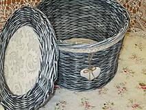 Košík okrúhly-patinovaný s čipkou